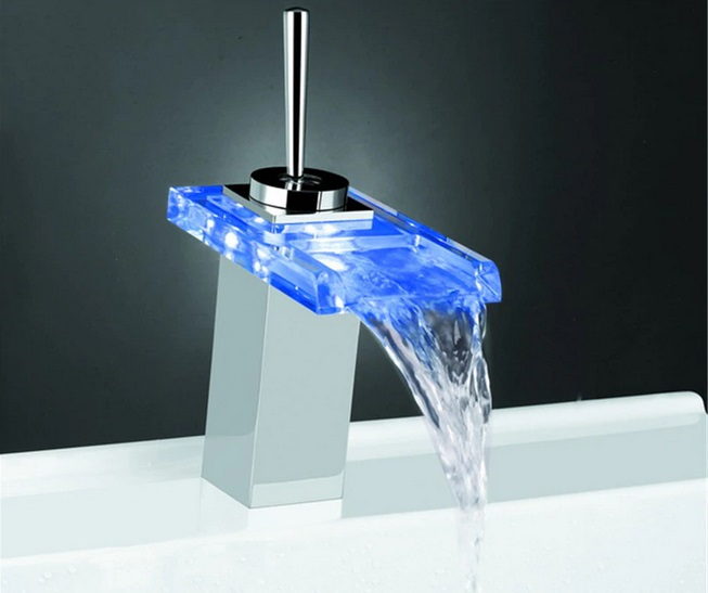 nowoczesna bateria łazienkowa z oświetleniem led