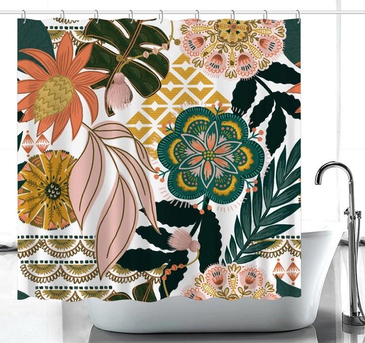 kolorowa zasłona prysznicowa przy wannie
