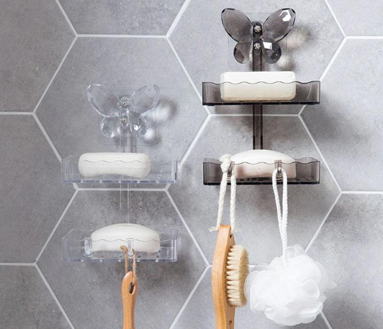 mydelniczki plastikowe pod prysznicem
