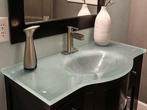 blat łazienkowy ze szkła hartowanego